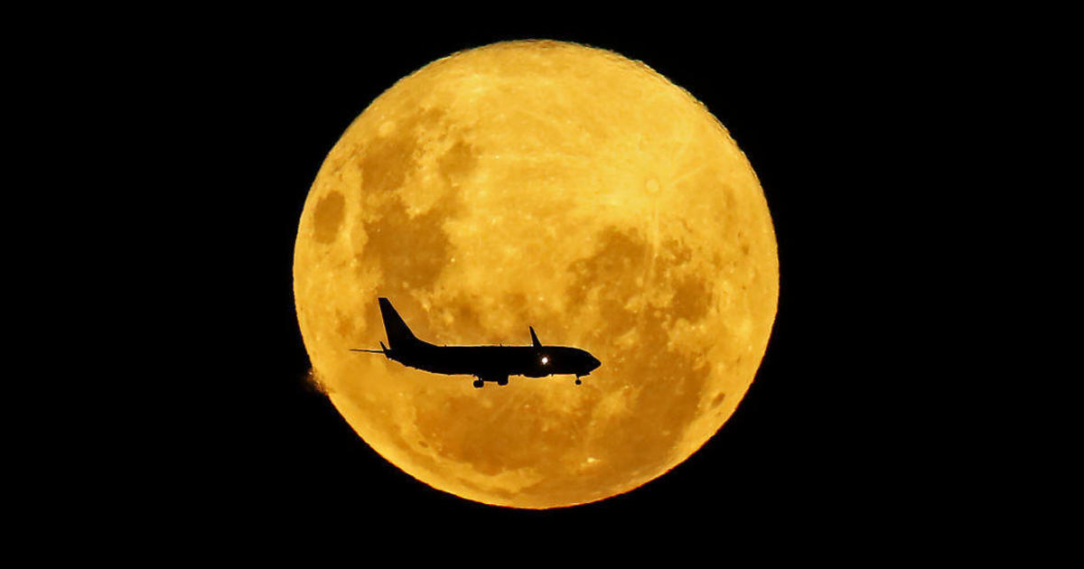"""Tonight's """"pink moon"""" will be the largest supermoon of the year"""