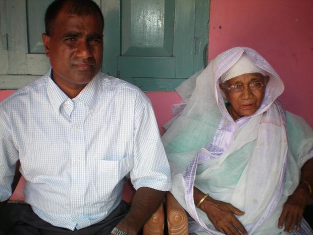 mohammed-and-mom-in-bangladesh.jpg