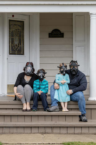 "Pandemic: The Indiana ""Front Porch Portraits"""