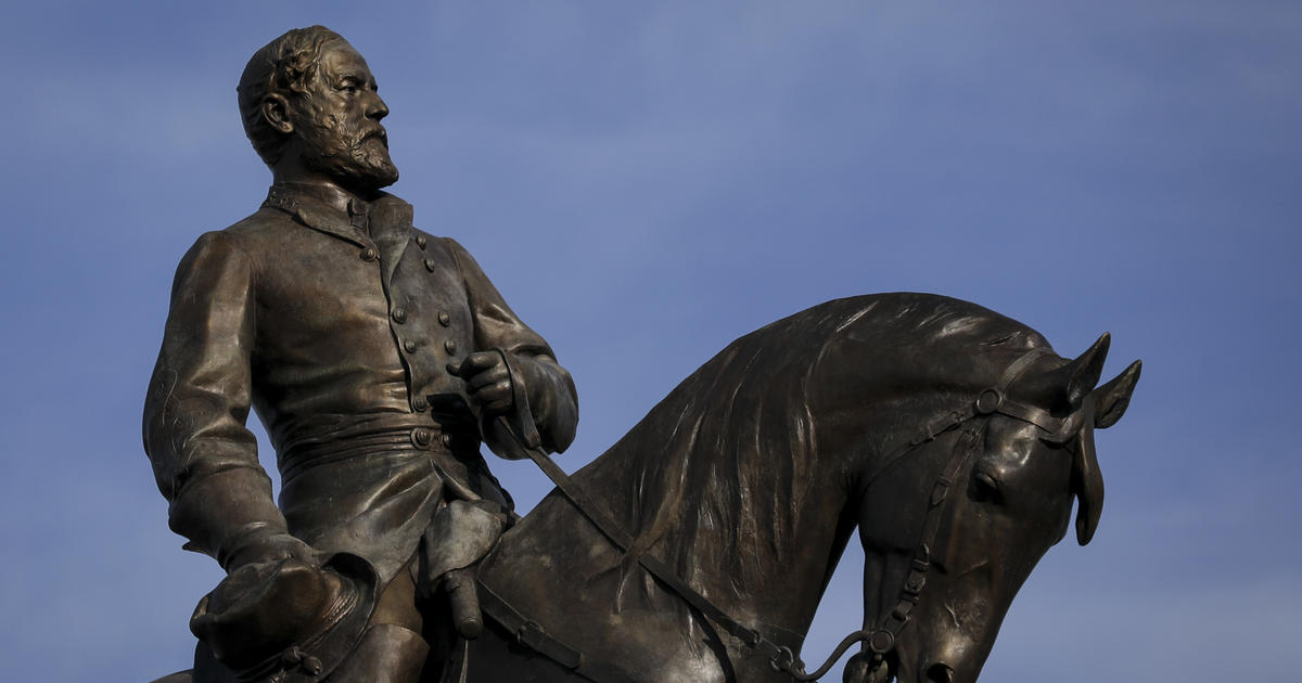 Virginia governor to announce removal of Robert E. Lee statue