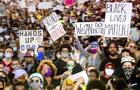 cbsn-fusion-moments-of-grace-and-unity-during-george-floyd-protests-thumbnail-495610-640x360.jpg