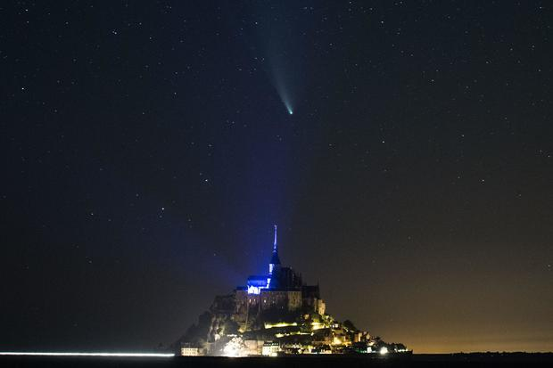 FRANCE-SPACE-ASTRONOMY-COMET-NEOWISE