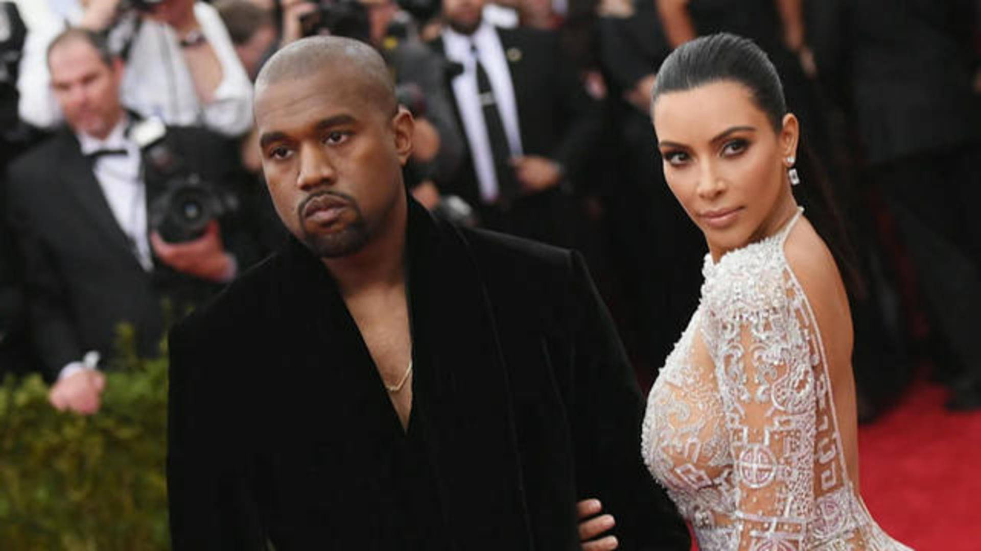 Mental Health Expert Discusses Kanye West S Struggle With Bipolar Disorder Cbs News