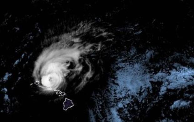 hurricane-douglas-skirts-hawaii-sunday-nite-072620.jpg