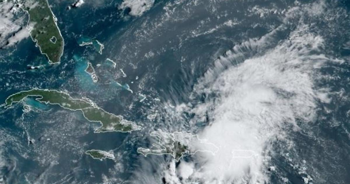 North Carolina coastal areas under mandatory evacuation as Hurricane Isaias approaches Florida