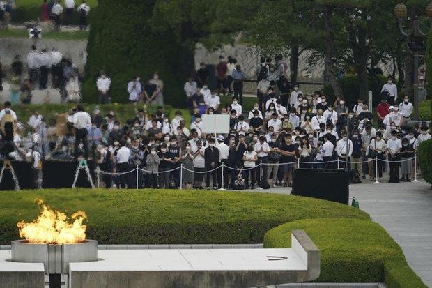 hiroshima-ceremony-ap-photo-eugene-hoshiko.jpg