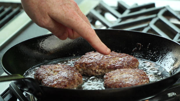 bobby-flay-salisbury-steak-cooked-620.jpg