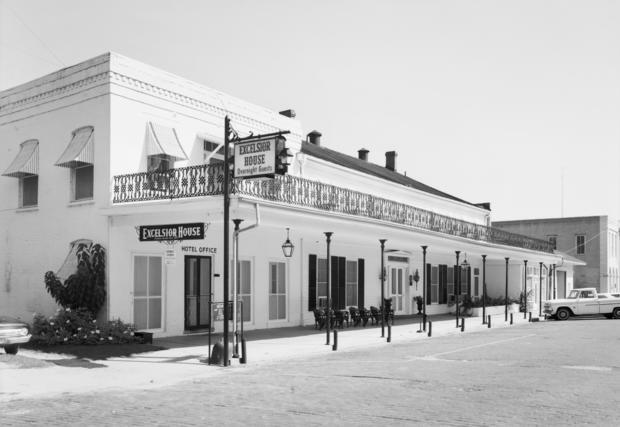 Excelsior Hotel, Austin Street