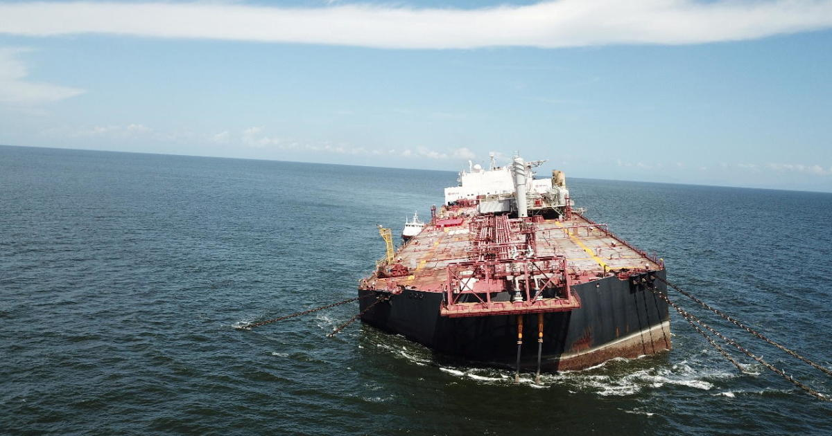 A Venezuelan vessel carrying 1.3 million barrels of oil is tilting — and it could lead to a catastrophic oil spill