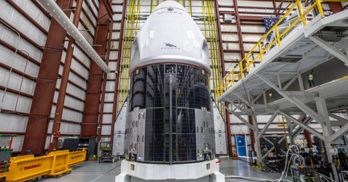 """Astronauts """"very excited"""" for SpaceX Crew Dragon launch to space station this weekend – CBS News"""
