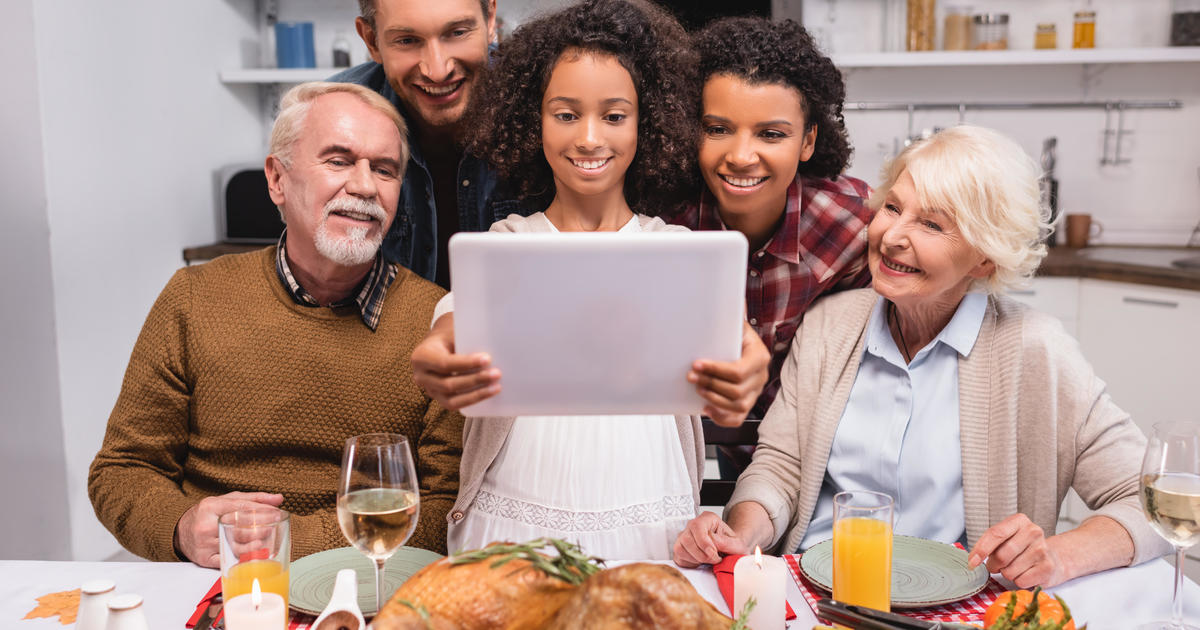 Thanksgiving 2020 Will Look Different For Many Americans Here S What The Cdc Suggests Cbs News