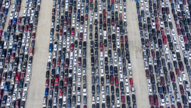 william-luther-san-antonio-express-news-ap-lines-of-cars-at-food-bank-620.jpg