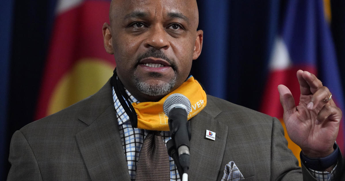 """Denver mayor who urged residents to """"stay home as much as you can"""" travels out of state to visit family for Thanksgiving – CBS News"""