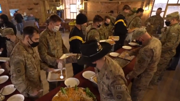 U.S. troops in Syria eat Thanksgiving meal