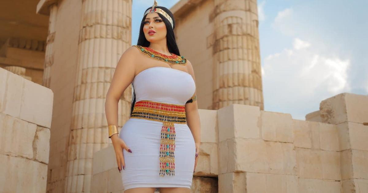 Egyptian model arrested over photo shoot at ancient pyramid – CBS News