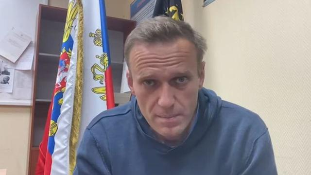 navalny-youtube-january2021-police-station.jpg