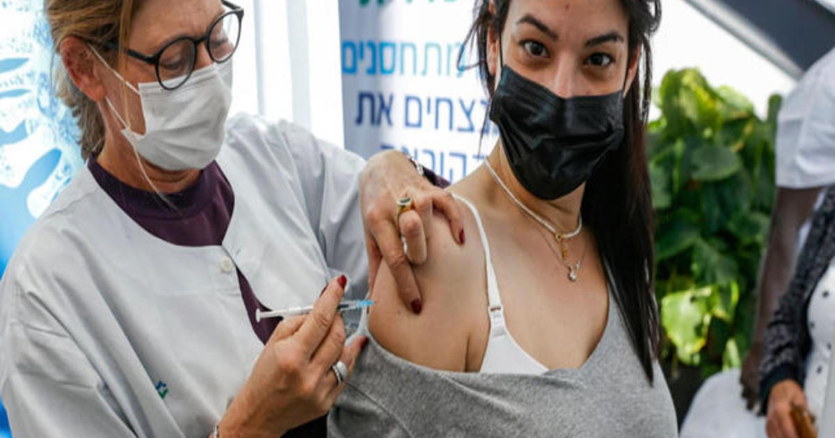 Doctors encourage pregnant women to get COVID-19 vaccine thumbnail