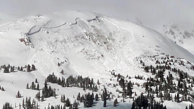 colorado-deadly-avalanche-one-killed-021421.jpg