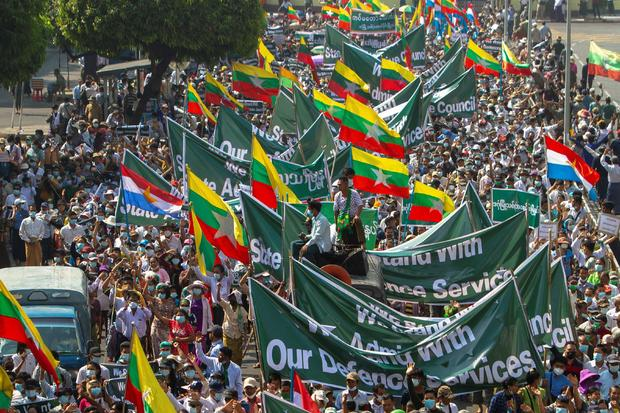 Rally in support of the military in Yangon
