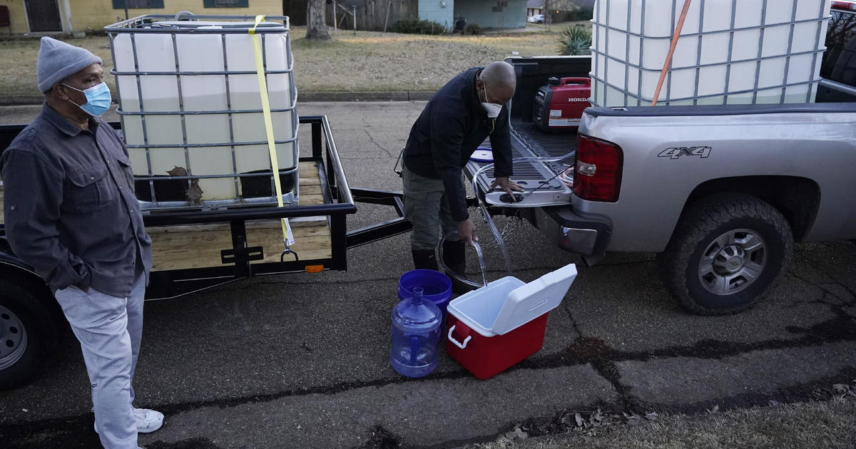 Mississippi residents without water for more than 2 weeks after storm