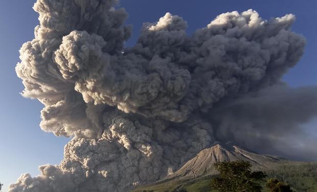 CORRECTION Indonesia Volcano