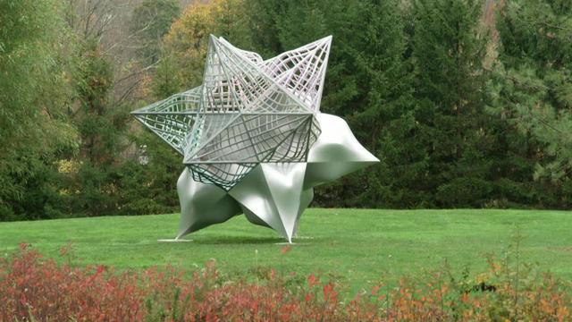 frank-stella-star-sculpture-1920.jpg