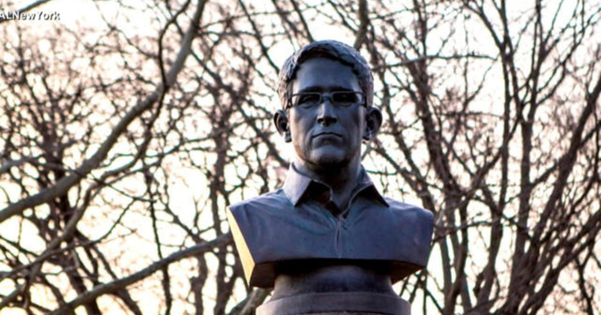 Mysterious Edward Snowden statue appears in Brooklyn