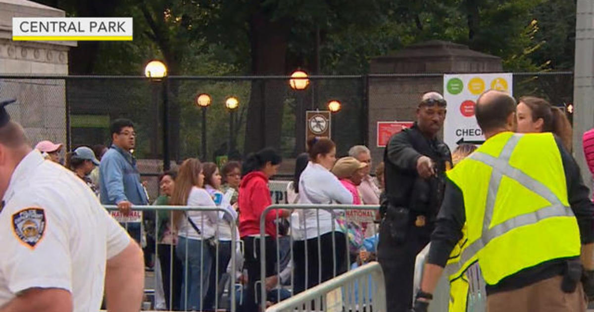Massive crowds expected at Central Park for Pope Francis parade