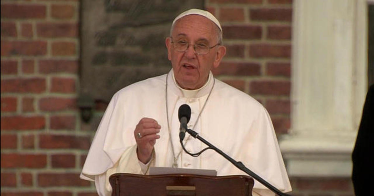 Pope Francis addresses religious liberty, immigration in speech