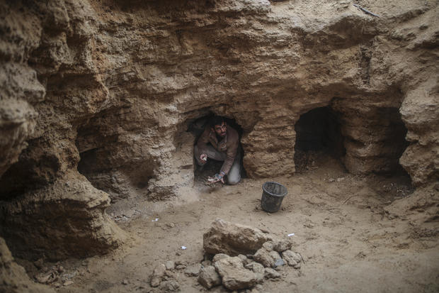 Ancient graves discovered in Gaza