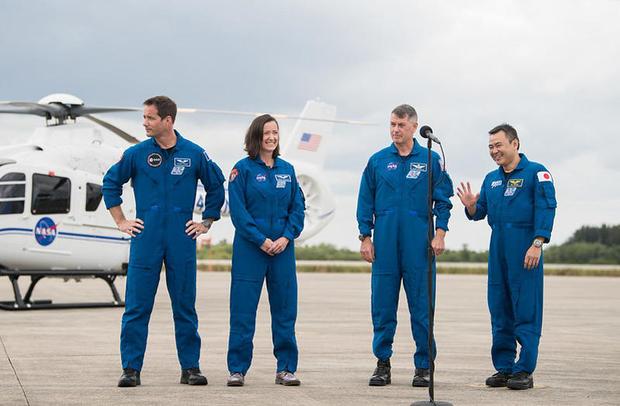 041721-crew-runway.jpg