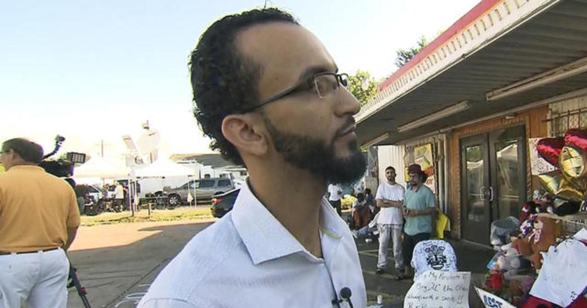 Store owner on Alton Sterling shooting: Police were very aggressive