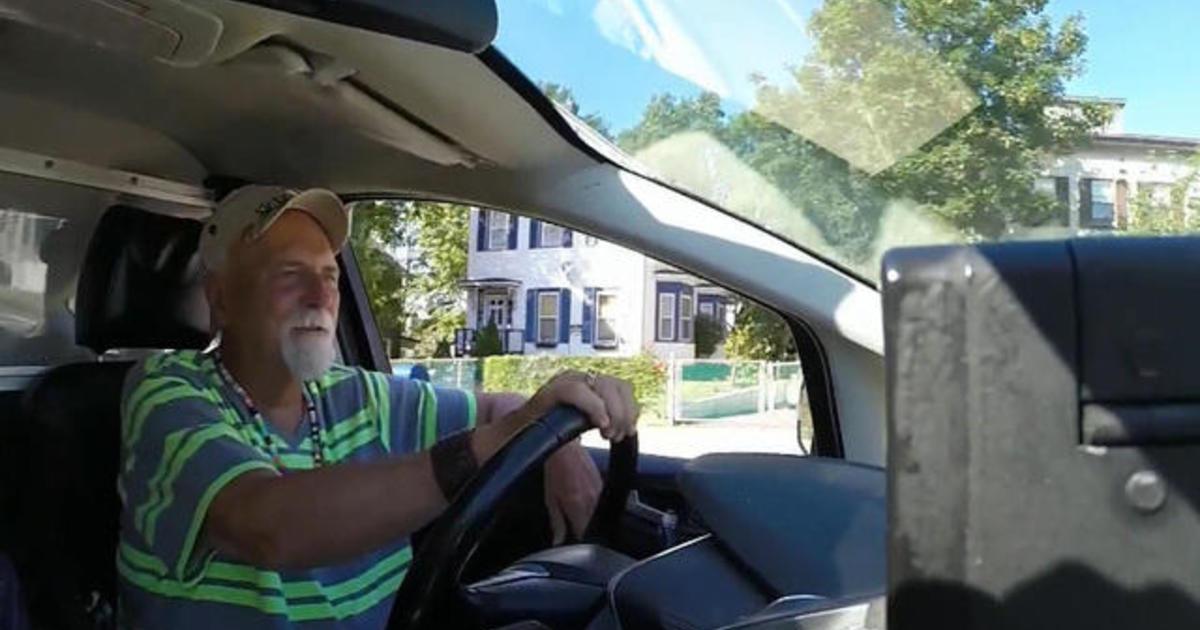 Cab driver returns $187K to passenger