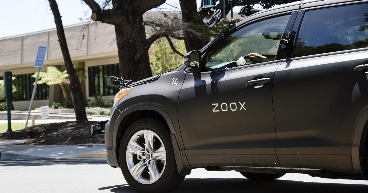 Bipartisan senators try to jumpstart autonomous driving legislation