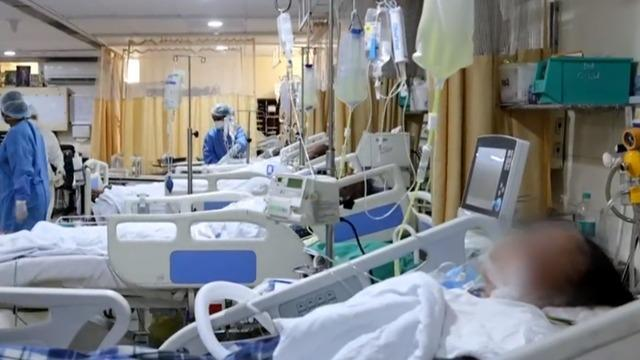 cbsn-fusion-life-saving-oxygenator-machines-from-us-arrive-in-india-head-to-delhi-icu-desperate-for-air-thumbnail-712321-640x360.jpg