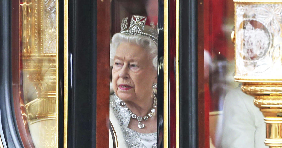 Crisis and loss in the House of Windsor
