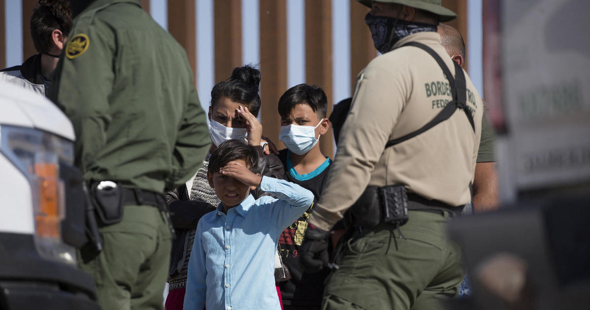 U.S. commits to admitting 250 asylum-seekers per day in concession to advocates