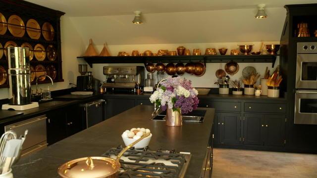 Martha Stewart S Re Envisioned Kitchen Cbs News