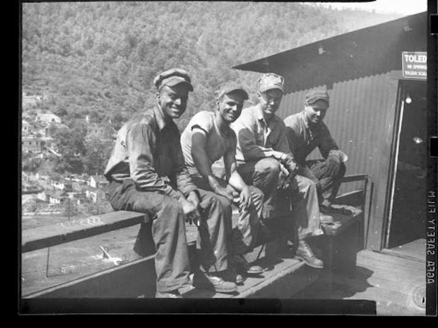 archive-coal-miners.jpg