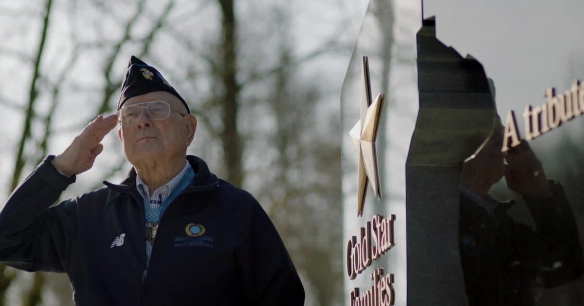 Grandson of last living WWII Medal of Honor recipient completes Marine boot camp