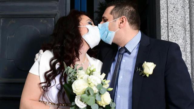 0614-ctm-weddingetiquette-733975-640x360.jpg