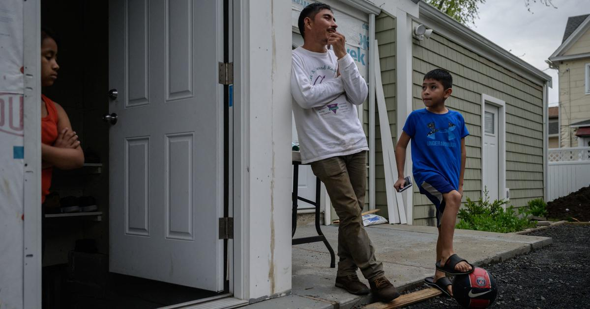 U.S. to allow more parents to petition for their children to immigrate legally from Central America