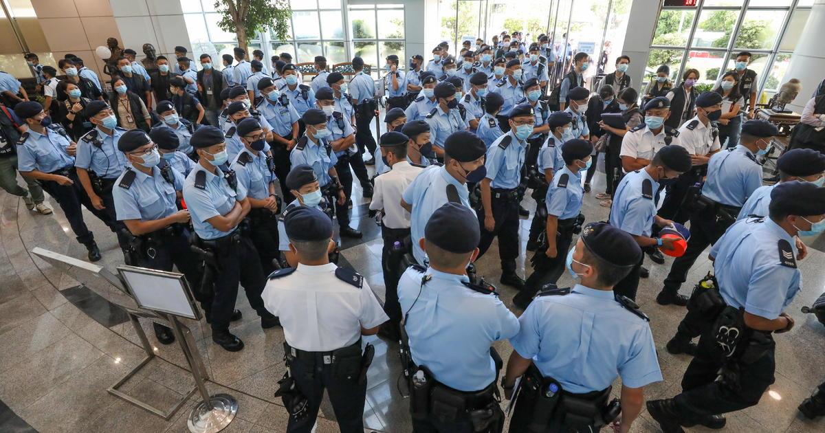 Hong Kong police raid Apple Daily pro-democracy newspaper as China's crackdown continues