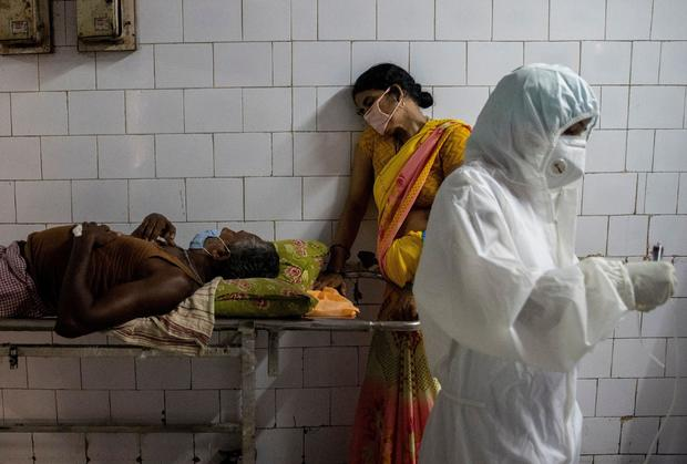 FILE PHOTO: Wider Image: Last doctor standing: Pandemic pushes Indian hospital to brink