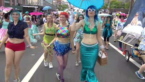 coney-island-annual-mermaid-parade.jpg