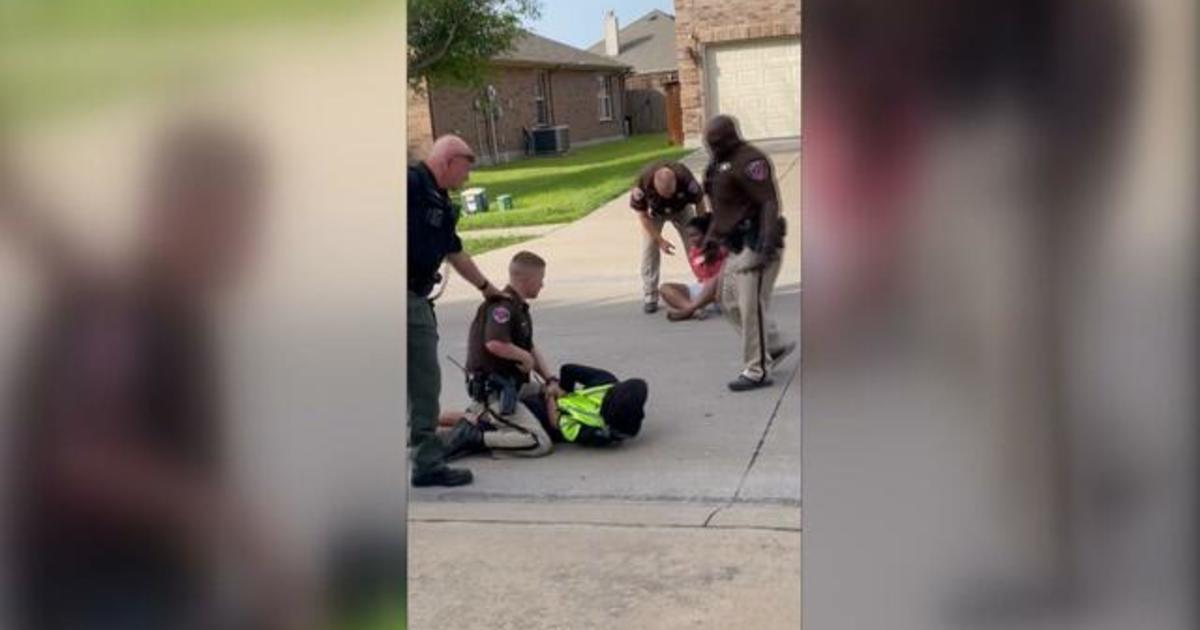 """Texas deputy pins teen to ground while she cries, """"I can't breathe"""""""