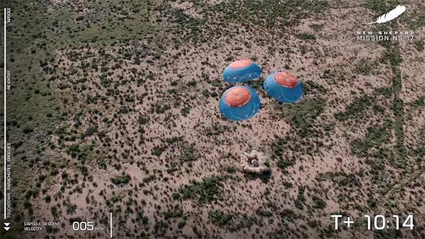 082621-capsule-touchdown.jpg