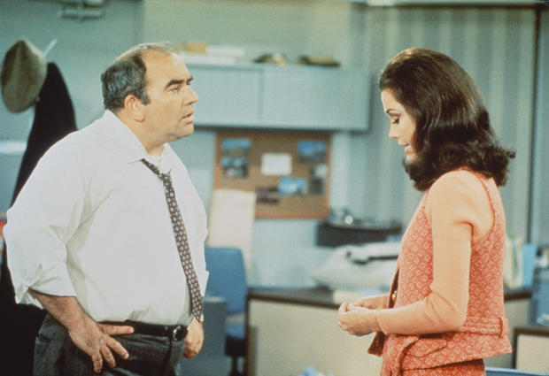 Asner & Moore In 'The Mary Tyler Moore Show'