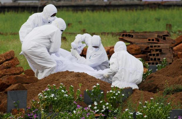 APTOPIX India Deadly Virus