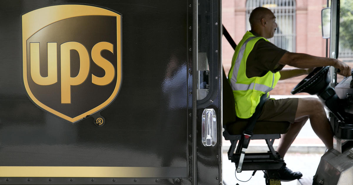 """""""Order your Christmas presents now,"""" UPS chief says amid supply chain drag – CBS News"""